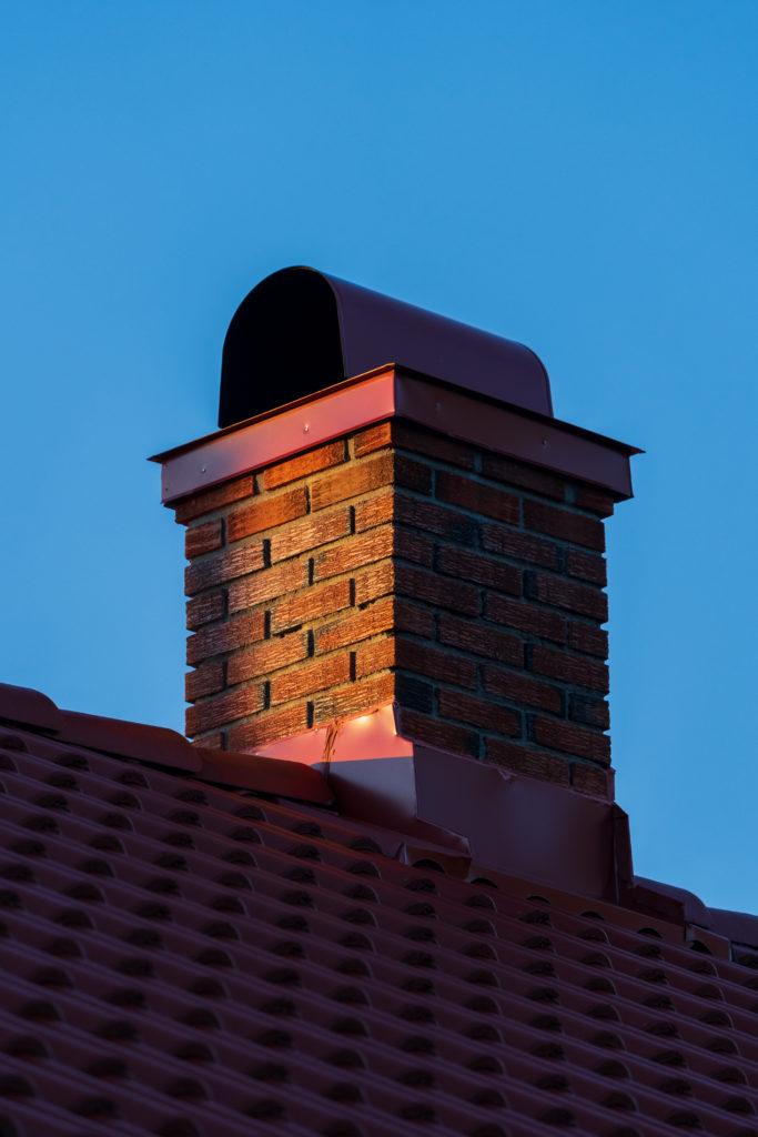 Vedfyringens dag: Hvordan brannsikre skorsteinen før fyringssesongen?